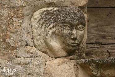 Cara de pedra - Provence